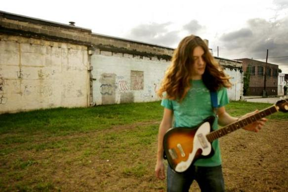 Two Worlds, One Kurt Vile.